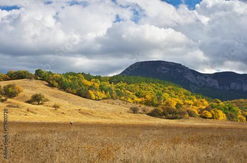 Zdjęcie XXL Jesień krajobraz górski.