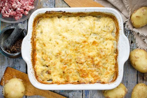 Foto op Canvas Klaar gerecht Beef casserole with sliced potato