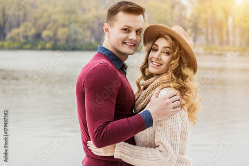 couple looking for girlfriend