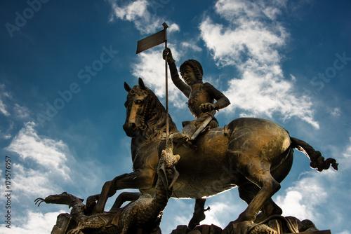Fotografie, Obraz  Statue des Hl. Georg (Socha sv. Jiří) , Prag