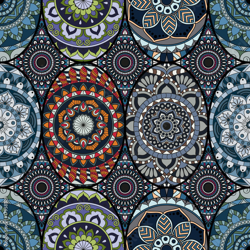 Foto auf AluDibond Ziehen Seamless pattern tile with mandalas. Vintage decorative elements. Hand drawn background. Islam, Arabic, Indian, ottoman motifs. Perfect for printing on fabric or paper.