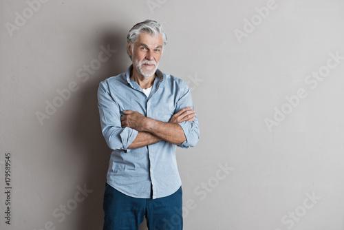 Fototapeta Zufriedener Senior