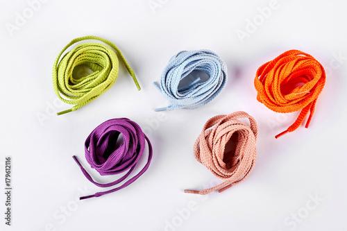 Photographie Five colorful round shoe laces