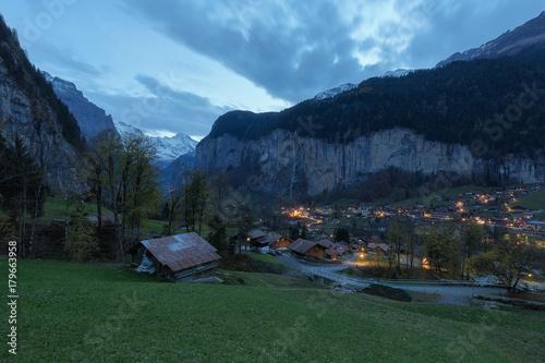 Fotografie, Obraz  Lauterbrunnen – Tal der 72 Wasserfälle