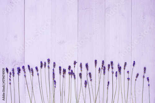 light-wooden-background-with-dry-lavender-flowers