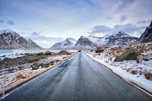 Obraz na dibondzie (fotoboard) Droga w Norwegii na Lofotach