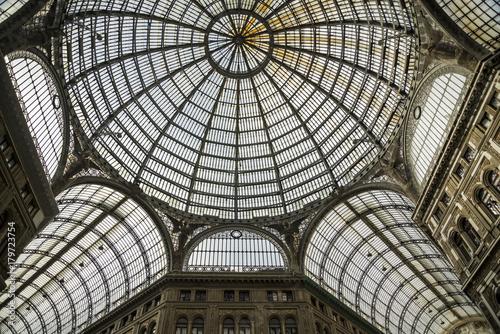 galeria-umberto-i-w-neapoli
