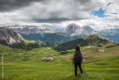 Foto op Canvas Pistache Trekking in Gardena Valley