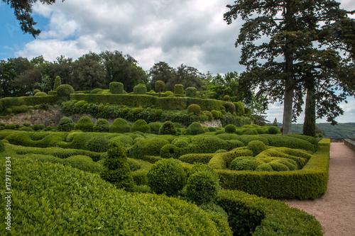 Les jardins suspendus de Marqueyssac en Dordogne , France Wallpaper Mural