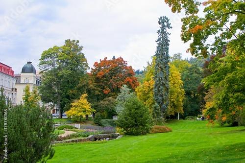 Staande foto Tuin Spa park - autumn in the great czech spa resort Marianske Lazne (Marienbad) - west part of Czech Republic (district Karlovy Vary)
