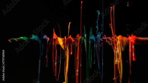Photo  Rainbow linear paint splatter background 3