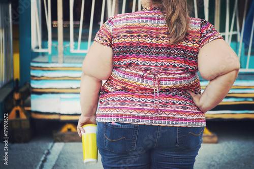 Fotografía Obese woman at a carnival