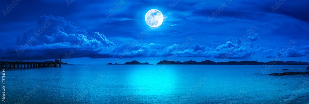 Fototapety, obrazy: Panorama of sky with full moon on seascape to night.