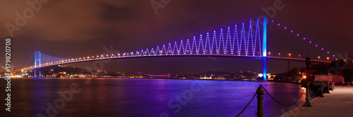Fotografering Bosphorus Bridge at night in Istanbul
