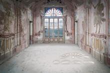 Vecchio Salono Abbandonato Pal...