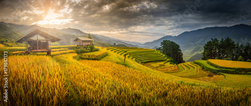 Poster Rijstvelden Rice fields on terraced with wooden pavilion at the morning in Mu Cang Chai, YenBai, Vietnam.