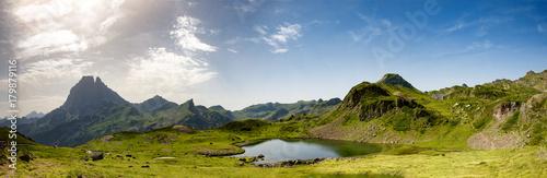 Plakat Widok góra Pic du Midi d'Ossau w Francuskich Pyrenees
