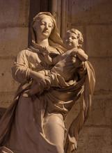 Sculpture Statue Notre Dame