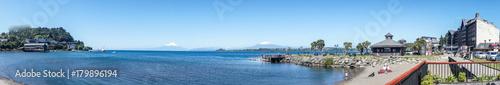 La pose en embrasure Amérique du Sud Puerto Varas, Chile
