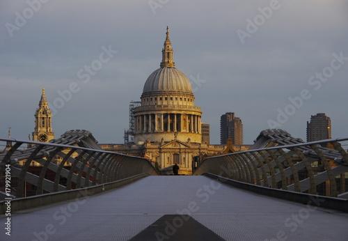 Obraz na dibondzie (fotoboard) Most Milenijny i katedra św. Pawła w Londynie