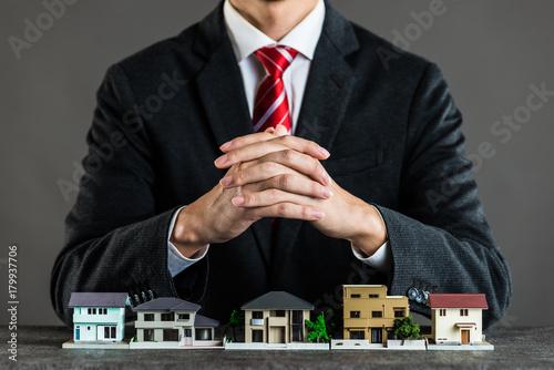 Photo 住宅販売 ビジネスマン