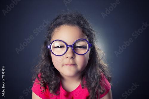 Fotografía  Little myopic girl