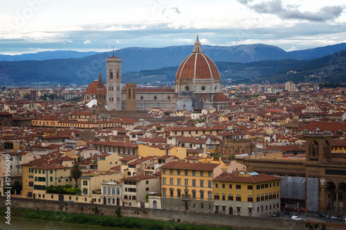 Fotobehang Florence Florence Duomo. Basilica di Santa Maria del Fiore (Basilica of Saint Mary of the Flower) in Florence, Italy