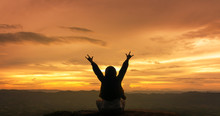 Silhouette Freedom Woman Rise ...