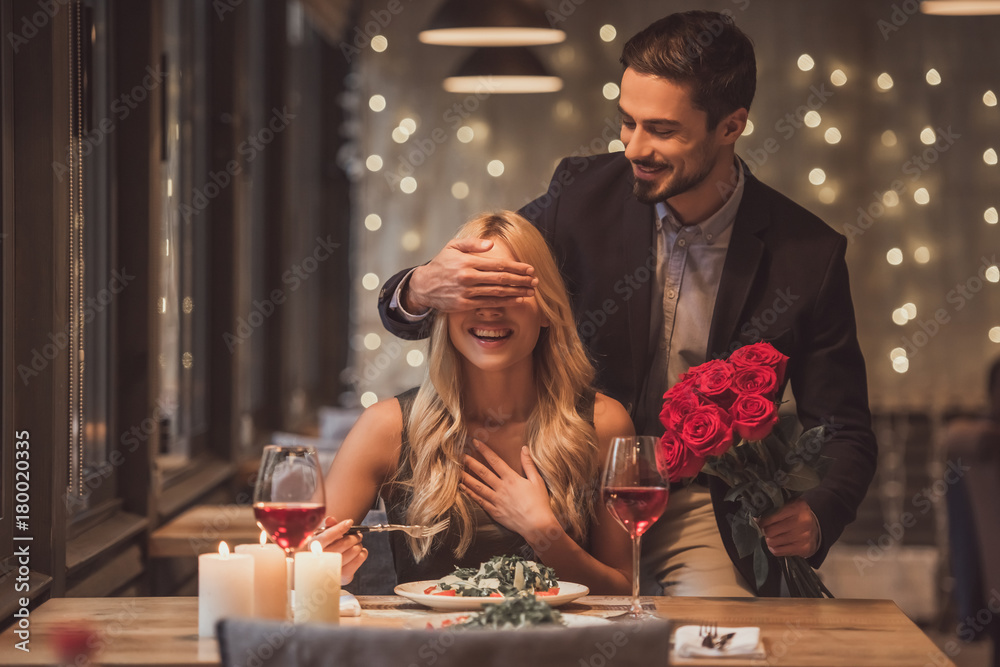 Fototapeta Couple on a date