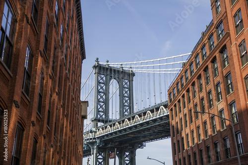 Foto op Canvas Brooklyn Bridge Brick wall buildings and Manhattan Bridge in Brooklyn New York City, United States