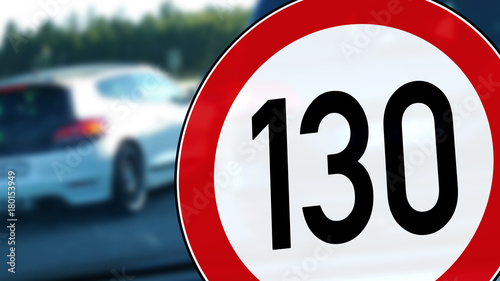 Fotografia  wb19 WarnBanner - german: Tempolimit 130 km/h auf der Autobahn - english: road s