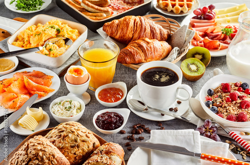 Fotografia Huge healthy breakfast spread on a table