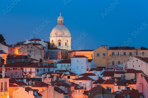 Obraz na dibondzie (fotoboard) Widok Alfama przy zmierzchem, Lisbon, Portugalia