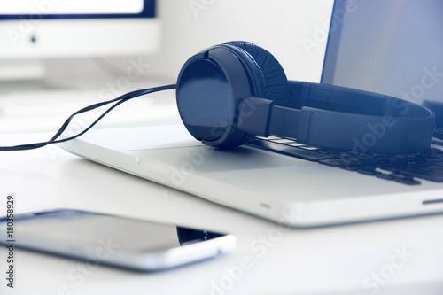 cuffie, computer, ascoltare, musica, mp3