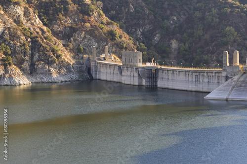 Zdjęcie XXL Morris Reservoir Dam w Azusa w Kalifornii
