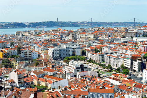Zdjęcie XXL Centrum Alfama i Most 25 kwietnia w Lizbonie, Portugalia.