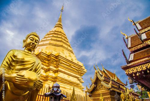 Fotobehang Bedehuis Doi Suthep temple, Chiang Mai, Thailand