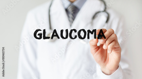 Cuadros en Lienzo Doctor writing word GLAUCOMA with marker, Medical concept