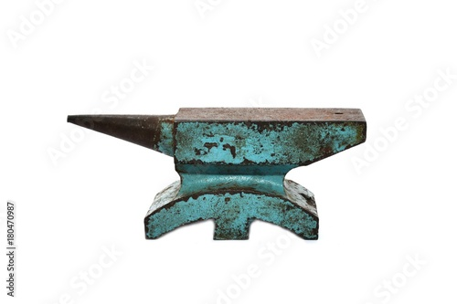 Photo Old rusty rugged anvil foundry isolated white background.