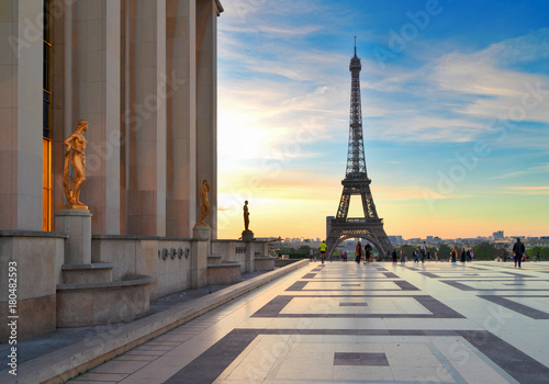 Con. ancienne Eiffel Tower from Gardens of the Trocadero square at sunrise, Paris France