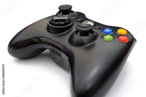 Zdjęcie XXL Kontroler gier wideo dla konsoli lub komputeru osobistego odizolowywającego na białym tle.