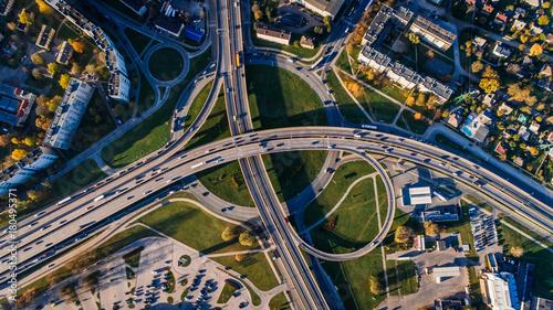 stare-miasto-w-rydze-miasto-i-drogi-zdjecia-lotnicze-drone