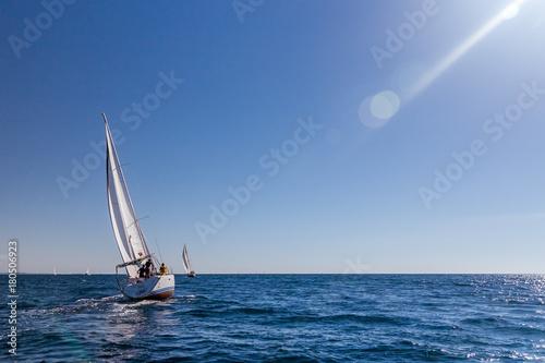 Fotomural  Sailboats racing