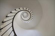 Escalier En Spirale Dans Un Ph...
