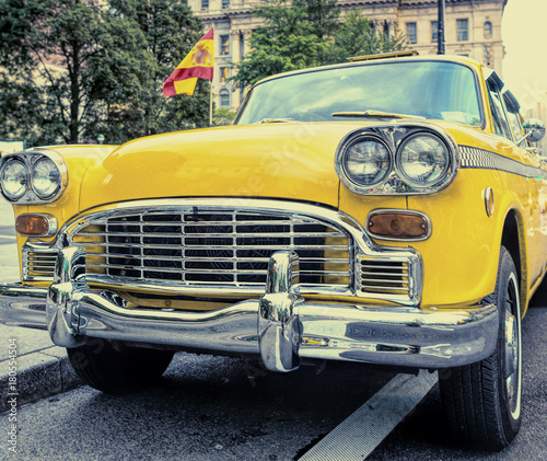 Deurstickers Cubaanse oldtimers Old taxi in New York City. Vintage filtered