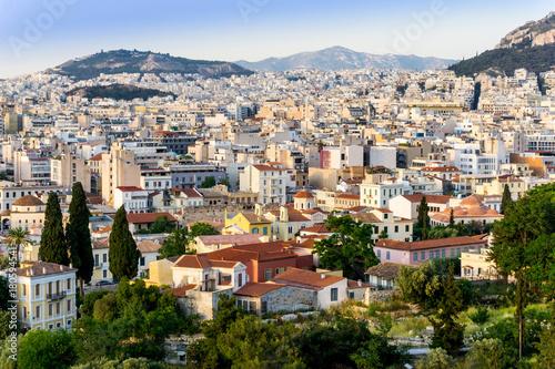 Plakat Miasto widok starzy budynki w Ateny, Grecja