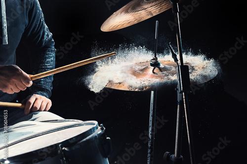 Obraz na płótnie Drummer rehearsing on drums before rock concert