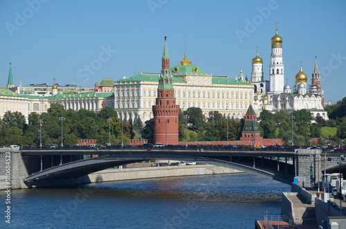 Fototapety, obrazy: Autumn view of the Kremlin, Big Stone bridge and on the Moskva-river, Moscow, Russia