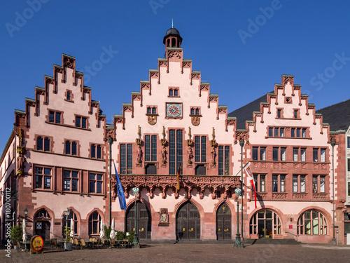 Frankfurt - Haus zum Römer słoneczny i wyprostowany