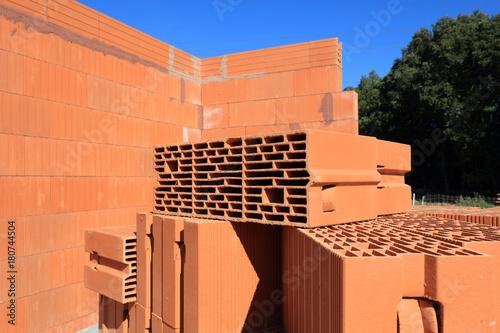 maison en briques en construction Tableau sur Toile